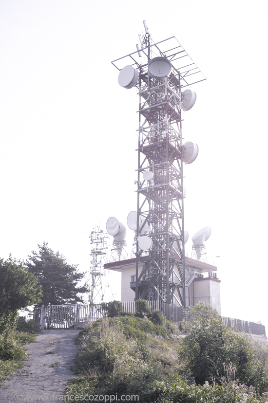 Outdoors: antenna