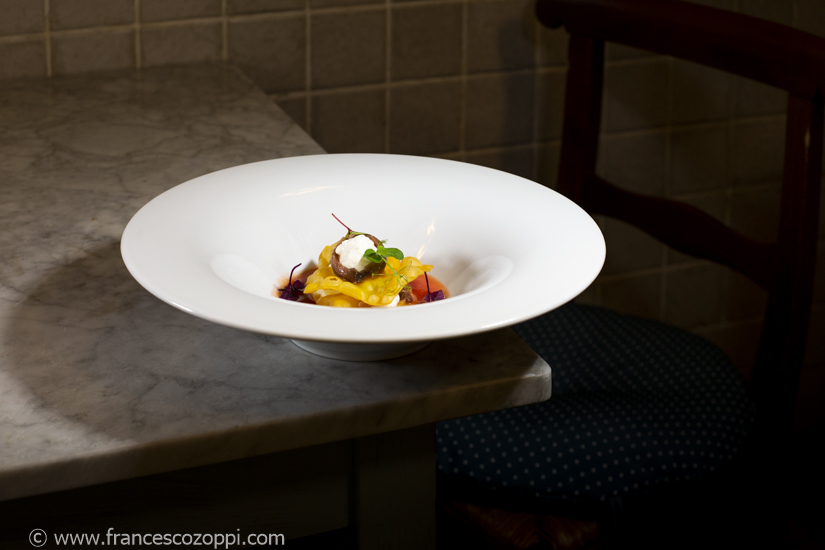 Gazpacho, burrata, acciughe, lasagnetta fritta